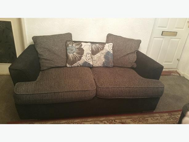 2x2 large seater sofas bloxwich dudley. Black Bedroom Furniture Sets. Home Design Ideas