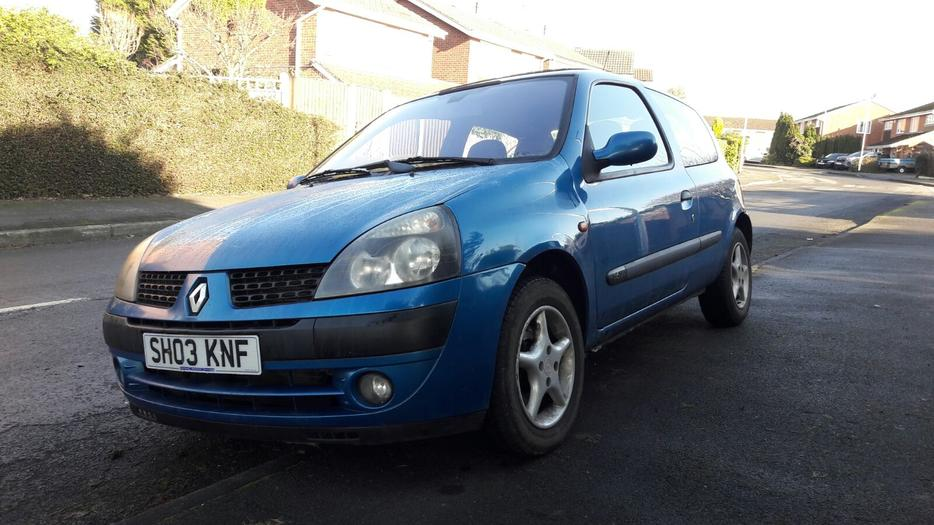 renault clio 1 2 16v 2003 ready to go 3 door other wolverhampton. Black Bedroom Furniture Sets. Home Design Ideas