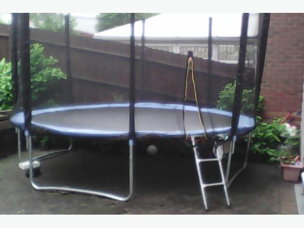 .TRAMPOLINE FOR SALE 14 FT TO CLEAROUT £80 Ono 07757 023 539