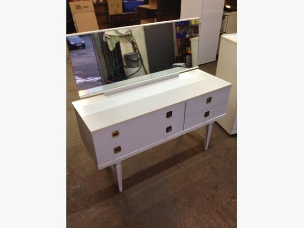Bedroom dressing table chest of drawers white can for White dressing table for sale
