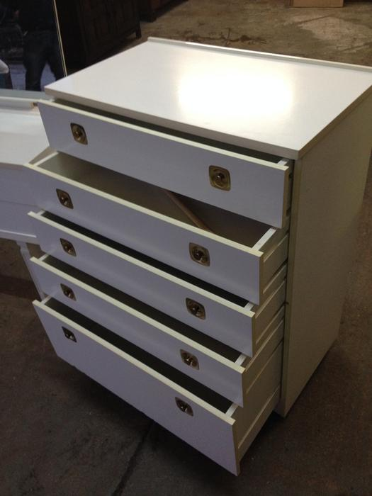 Bedroom dressing table chest of drawers white can