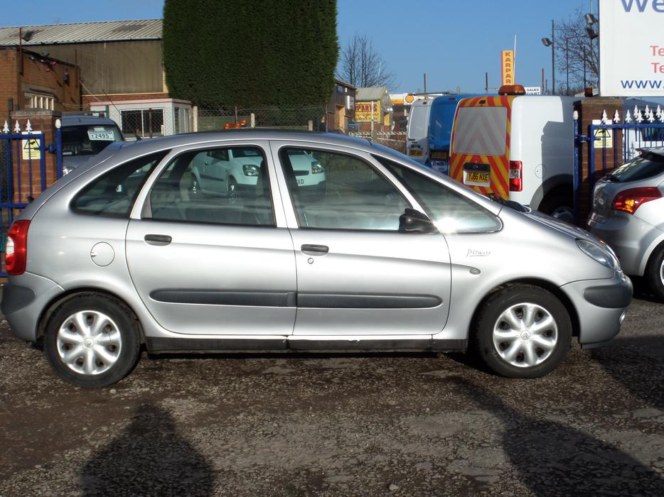 2001 citroen xsara picasso sx 16v 1 8 petrol aldridge dudley. Black Bedroom Furniture Sets. Home Design Ideas