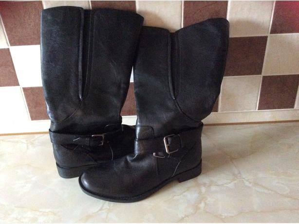 Ladies Black leather boots