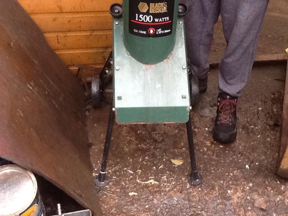 Black and decker garden shredder dudley sandwell for Chaise us ww2