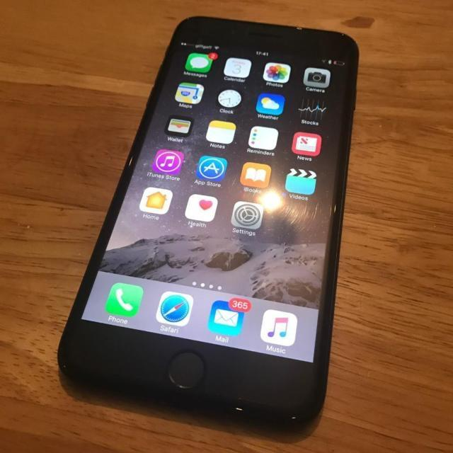 best place to buy unlocked iphone iphone 7 32gb plus matte black unlocked west bromwich 18314