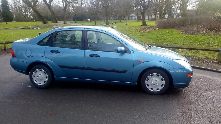 Ford focus diesel 1 8 mot in daily use wolverhampton dudley for 2001 ford focus window motor
