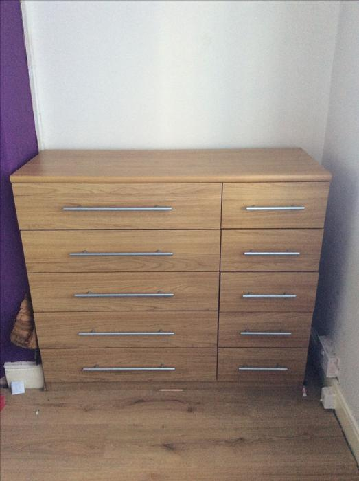 Bedroom chest of drawers willenhall dudley