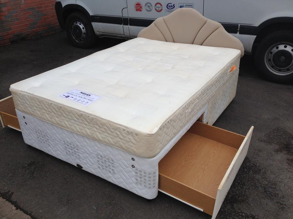 Myer 39 S 2 Drawer Divan Double Bed Mattress Clean Tidy May Deliver Brierley Hill