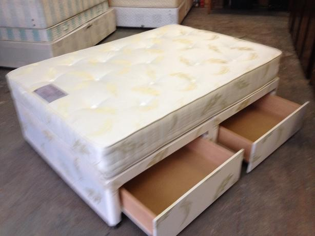 39 tender sleep 39 2 drawer divan double bed immaculate for 2 drawer double divan bed