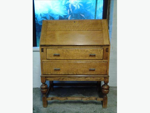 oak writing bureau brierley hill dudley. Black Bedroom Furniture Sets. Home Design Ideas
