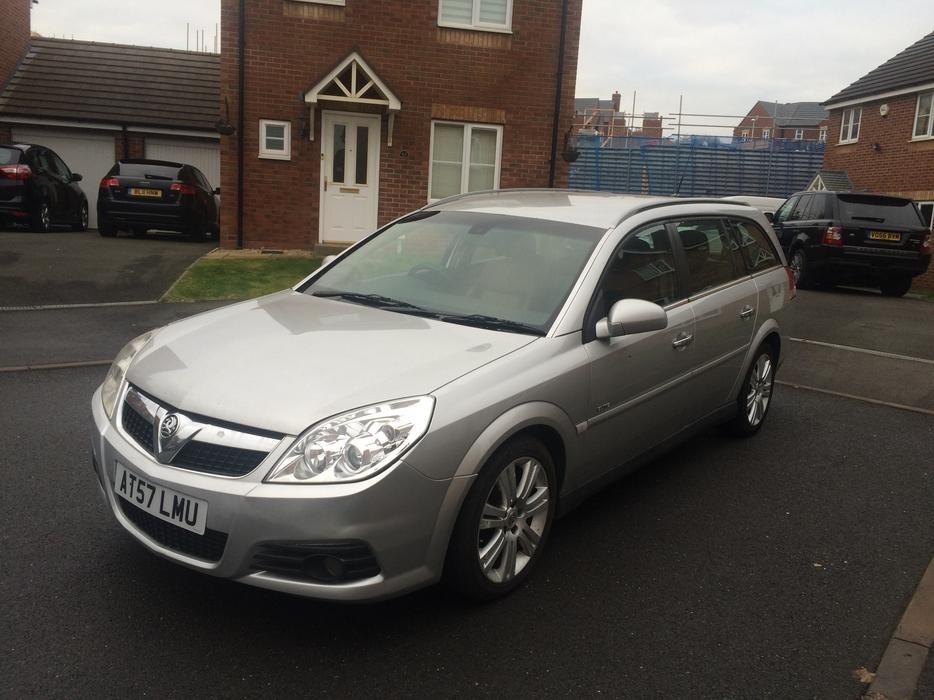 vauxhall vectra elite cdti 150 1 9 diesel auto estate. Black Bedroom Furniture Sets. Home Design Ideas