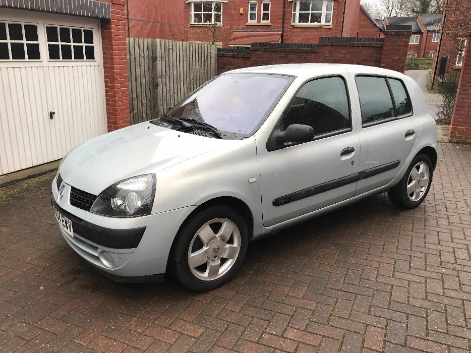 clio 1 2 2004 only 89k drives superb walsall dudley. Black Bedroom Furniture Sets. Home Design Ideas