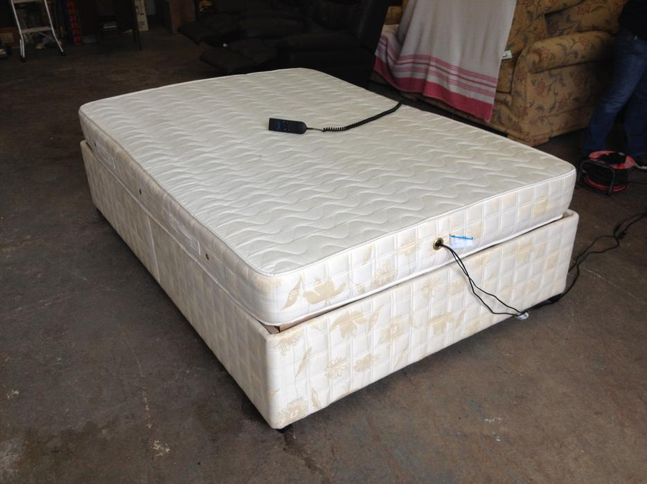 ELECTRIC ADJUSTABLE DOUBLE BED & MASSAGE MATTRESS ~~ CAN ...