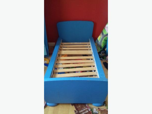 blue ikea mammut toddler bed walsall wolverhampton. Black Bedroom Furniture Sets. Home Design Ideas