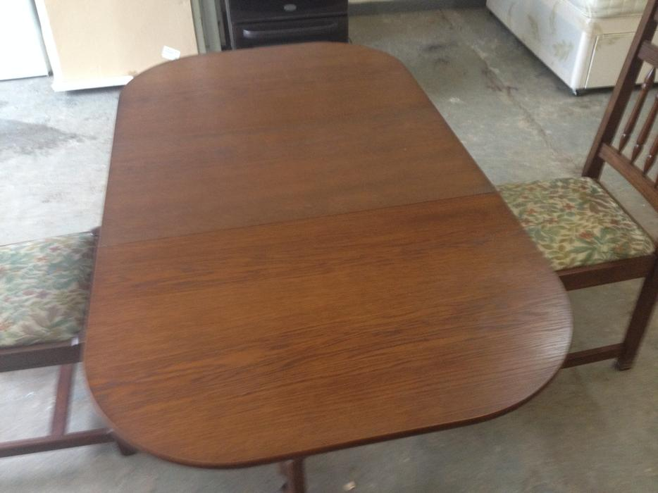 VINTAGE OAK DROP LEAF DINING TABLE amp CHAIRS GOOD  : 106397805934 from www.useddudley.co.uk size 934 x 700 jpeg 58kB