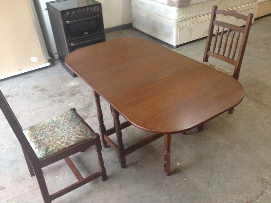 Vintage oak drop leaf dining table chairs good for Good dining table sets