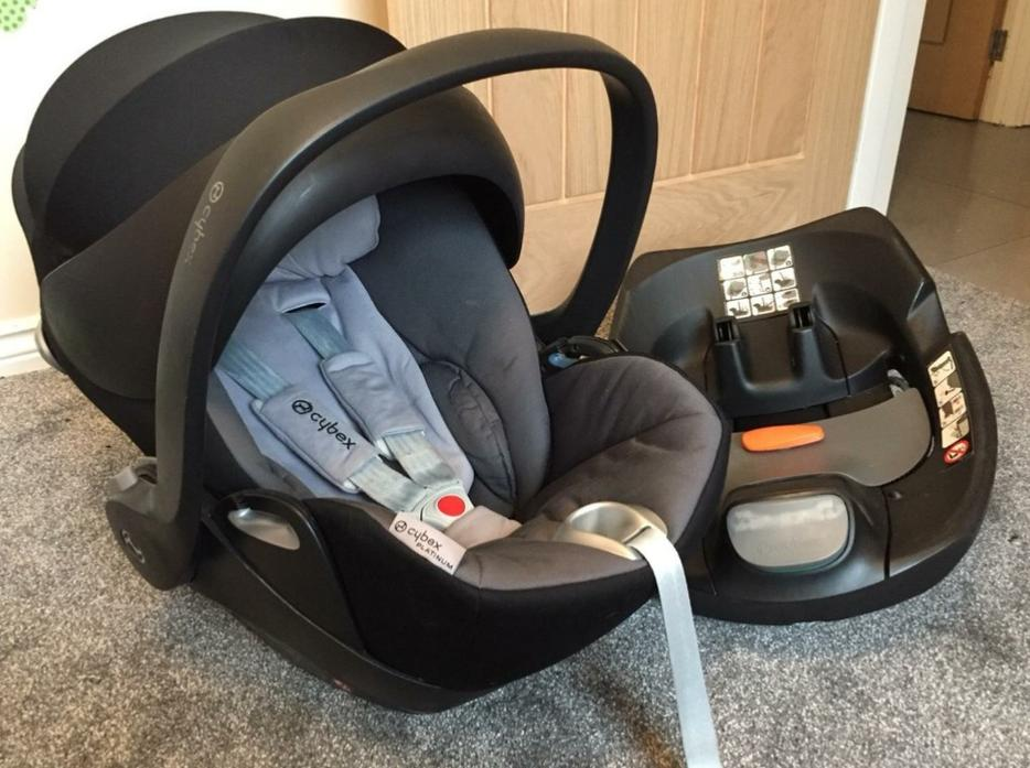 cybex cloud q carseat plus isofix base walsall wolverhampton. Black Bedroom Furniture Sets. Home Design Ideas