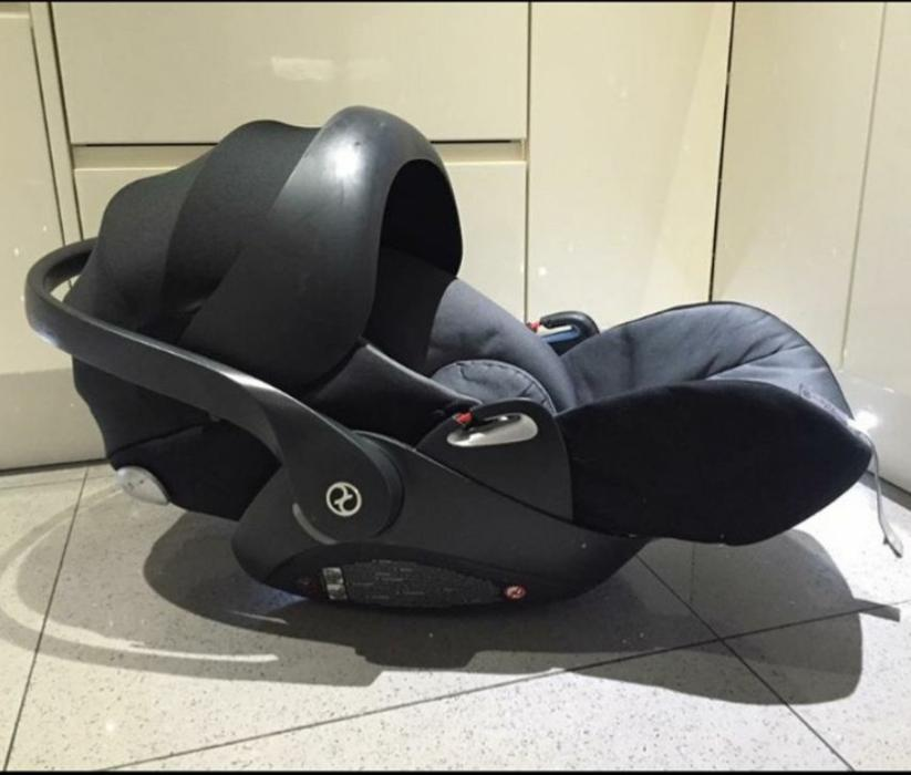 cybex cloud q carseat plus isofix base walsall dudley. Black Bedroom Furniture Sets. Home Design Ideas
