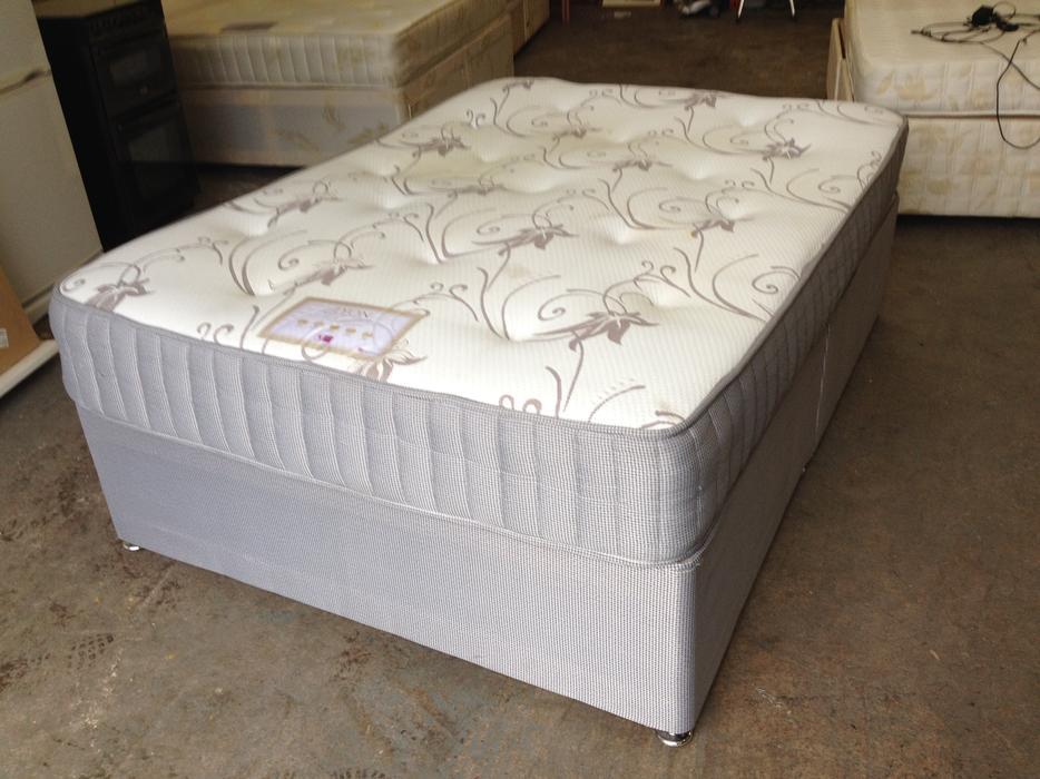 39 tender sleep 39 double bed 39 lyon 39 memory foam mattress. Black Bedroom Furniture Sets. Home Design Ideas