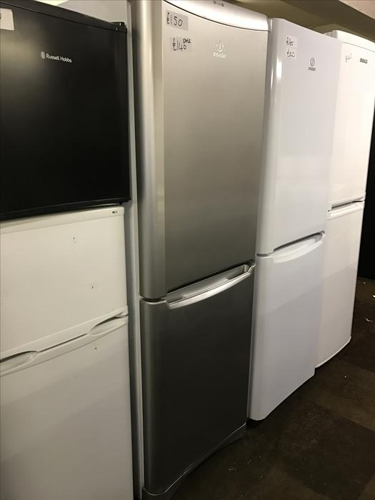 very tidy indesit silver fridge freezer with guarantee. Black Bedroom Furniture Sets. Home Design Ideas