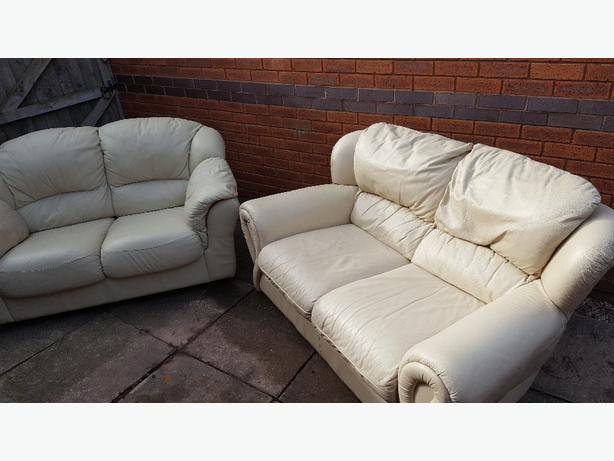 cream leather defrent 2x2 seater sofas wolverhampton sandwell. Black Bedroom Furniture Sets. Home Design Ideas