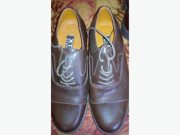 Size 9 brown shoes