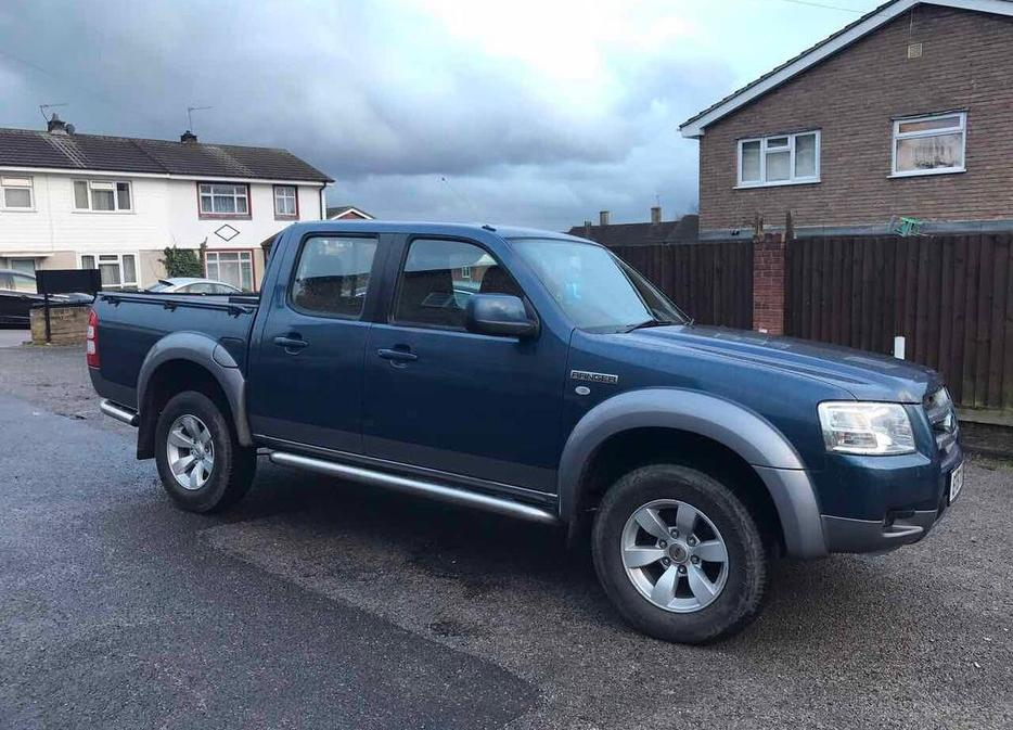 ford ranger  tdci xlt double cab  year  sandwell