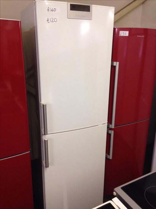 siemens fridge freezer 4 drawers wolverhampton wolverhampton. Black Bedroom Furniture Sets. Home Design Ideas
