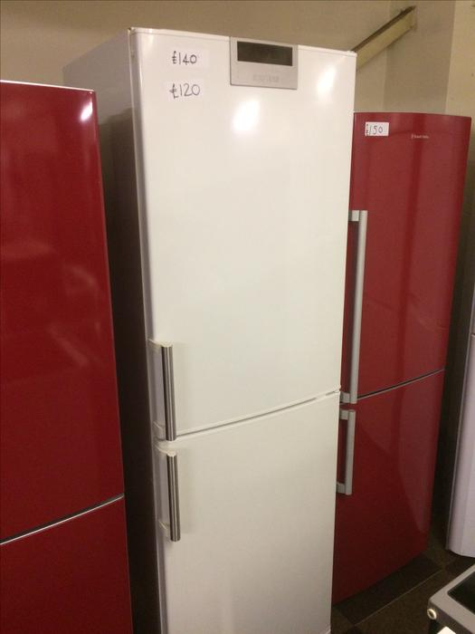 4 drawers siemens fridge freezer wolverhampton wolverhampton. Black Bedroom Furniture Sets. Home Design Ideas