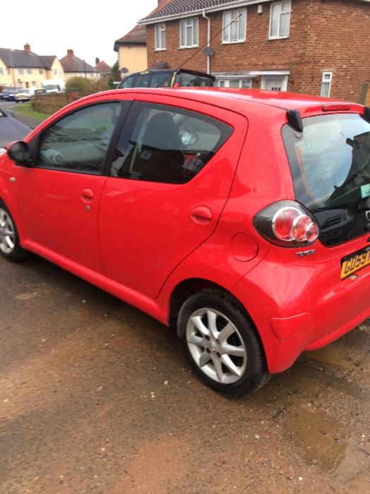 toyota aygo automatic low mileage brierley hill wolverhampton. Black Bedroom Furniture Sets. Home Design Ideas