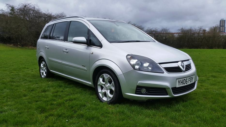 2006 vauxhall zafira 1 9 cdti design half leather fsh 7. Black Bedroom Furniture Sets. Home Design Ideas