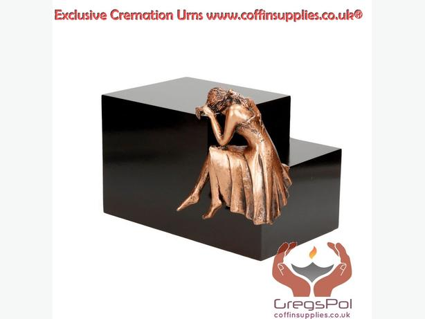 Protect the Memories of Your Loved Ones with Cremation Urns