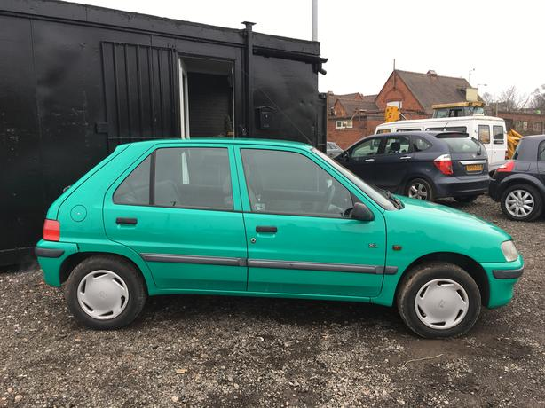 peugeot 106 xl auto power steering ideal 1st car corsa auto 206 walsall wolverhampton. Black Bedroom Furniture Sets. Home Design Ideas