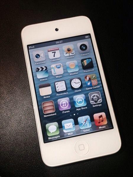 Apple Ipod Touch 32gb 4th Generation Fully Working Good