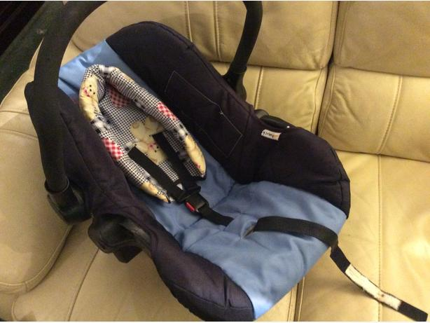 hauck car seat baby carrier wednesfield sandwell mobile. Black Bedroom Furniture Sets. Home Design Ideas