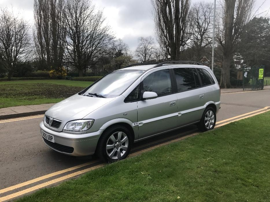 2005 vauxhall zafira 2 0 dti breeze 1 former keeper 6000 worth of receipts walsall walsall. Black Bedroom Furniture Sets. Home Design Ideas