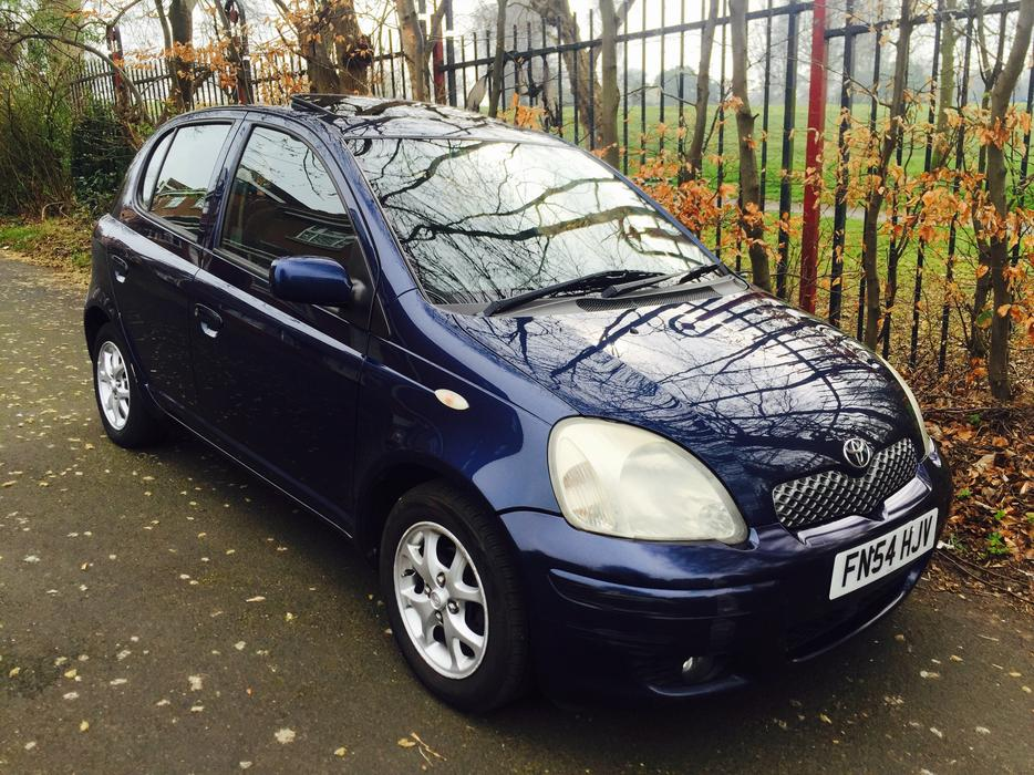 2004 54 toyota yaris t spirit 1 4 d4d 5 door 30 year tax smethwick dudley. Black Bedroom Furniture Sets. Home Design Ideas