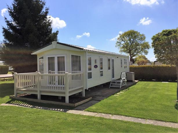 Pemberton Holiday Homes Available. Enquire today for more info. *Cotswolds*