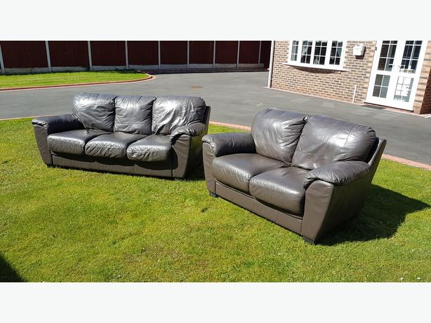 3 + 2 sofas set in very good condition // free delivery