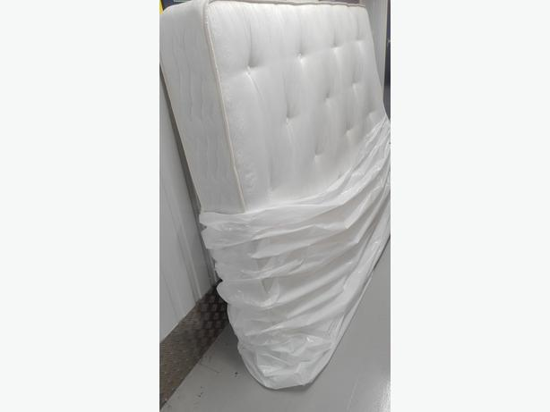 King size mattress in very good condition // free delivery