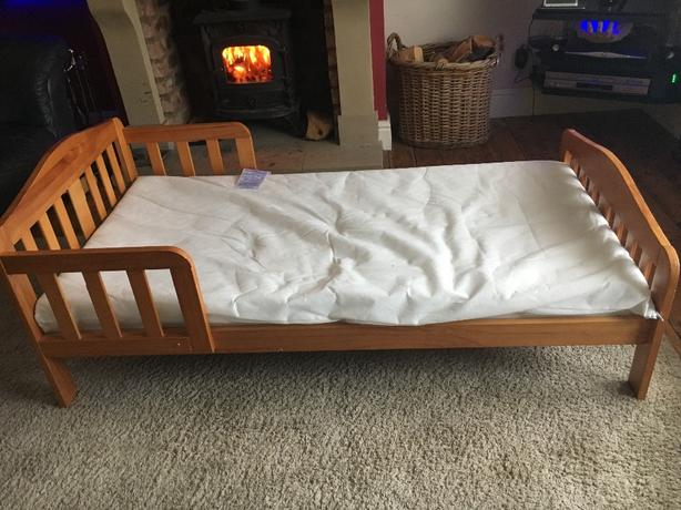 solid pine toddler bed and mattress