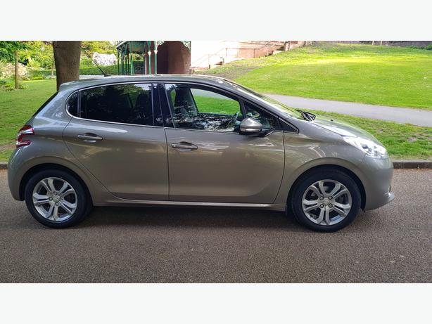 Low Mileage Peugeot 208 Vti Allure Outside Birmingham
