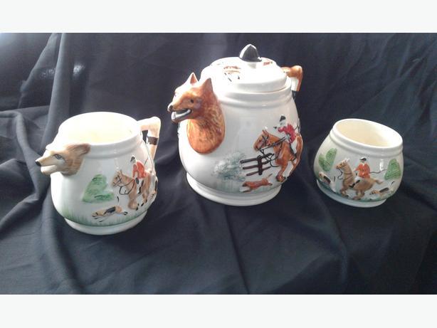 Vintage Fox Hunting Tea Set: