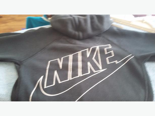 Nike tracksuit age 4-5