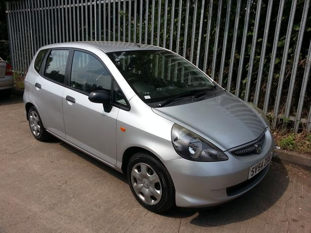 54 REG HONDA JAZZ 1.3 IN GOOD CONDITION £750 NO SILLY OFFERS