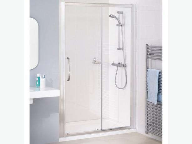 Sliding Shower Door HAPPY TO NEGOTIATE ON PRICE