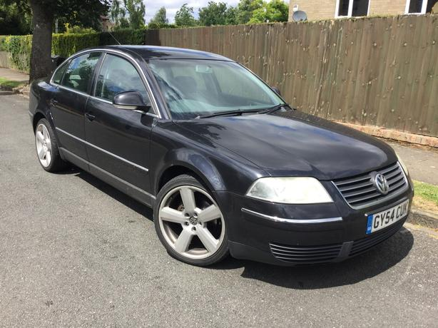 VW Passat 2.0i Highline 20v saloon with FSH & factory Sat Nav !
