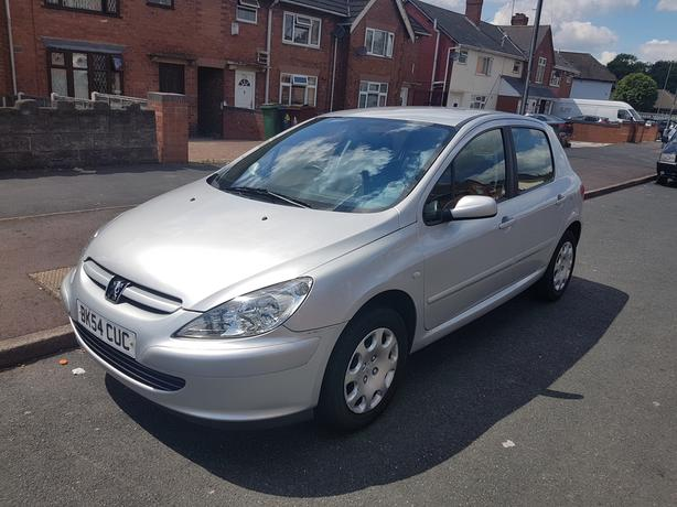 54 REG PEUGEOT 307 1.4 IN GOOD CONDITION DRIVES WITHOUT FAULT  £525 No OFFERS