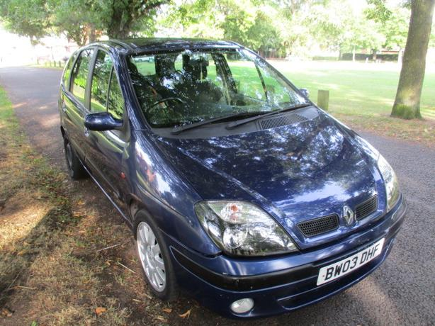 RENAULT SCENIC 1.6 FIJI 2003 STARTS/DRIVES SPARES/REPAIRS ONLY