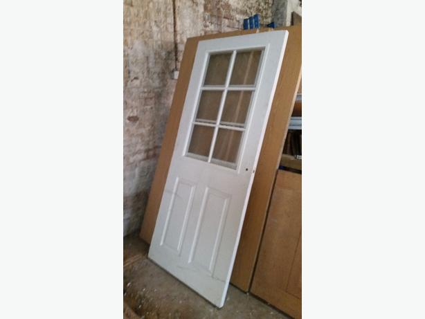 JOB LOT OF INTERIOR AND EXTERIOR DOORS NEW AND USED.